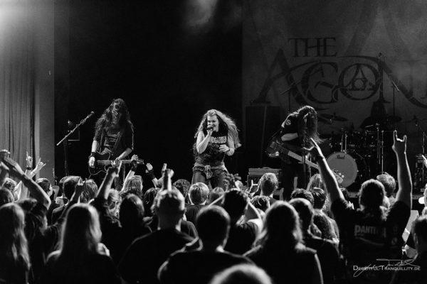 Konzertfoto von The Agonist auf der Female Metal Voices Tour 2017