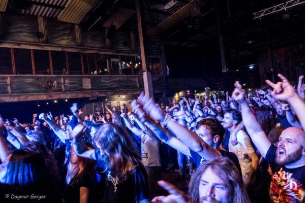Live Foto LKA Longhorn Stuttgart Kataklysm Publikum