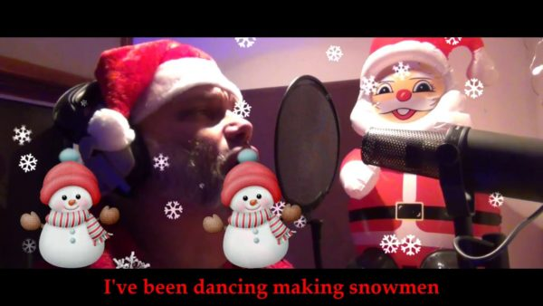"""Hier befindet sich ein Screenshot von BLAZE BAYLEYs """"Crazy Christmas""""."""