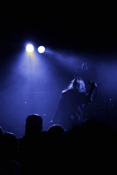 Der Sänger von Deathrite bei ihrem Auftritt in der Dresdener Scheune.