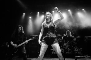 Konzertfoto von Leaves' Eyes auf der 70000 Tons Of Metal 2018